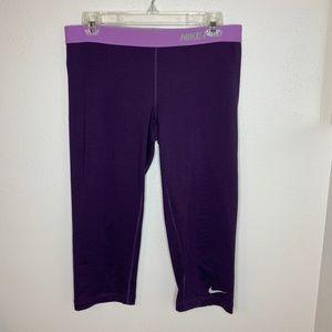 Nike Pro Capri Leggings in Purple